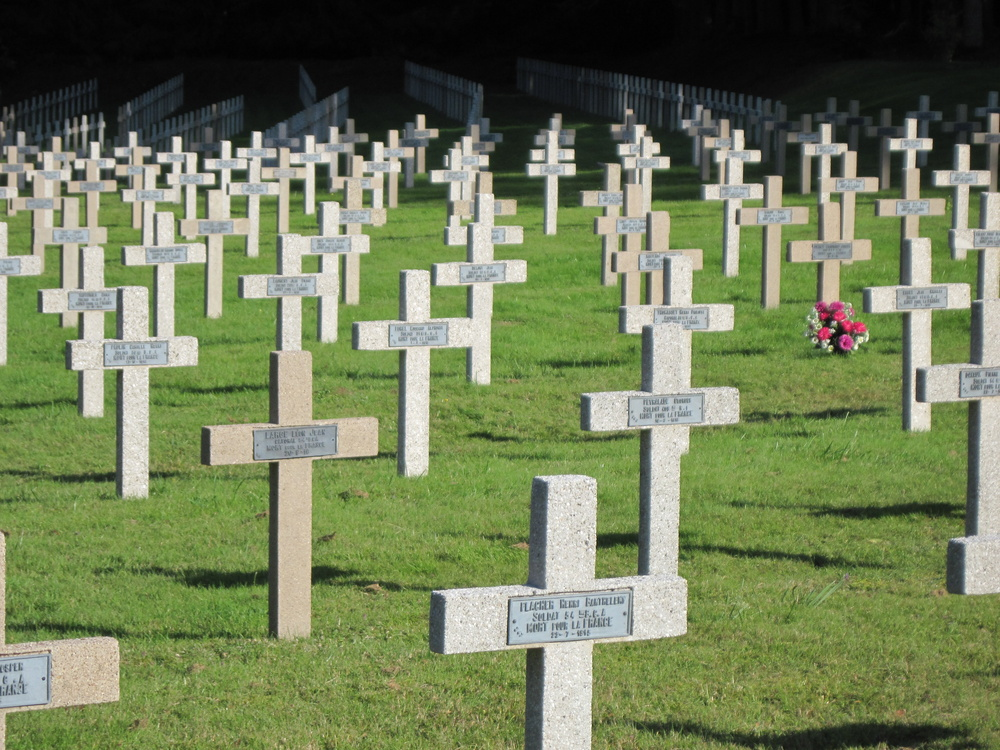 World-War-1-Soldiers-Graveyard-a22431386